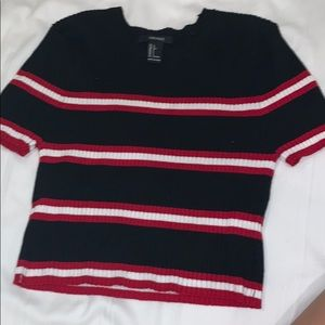 Black t shirt with stripes